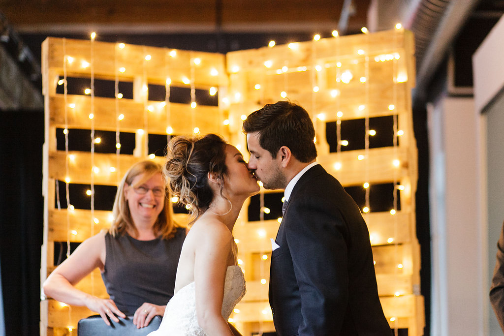 jessicahoang-nira-king-west-spoke-club-wedding-42